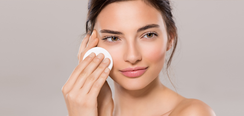 Is Makeup Bad For Your Skin Dermatologist In Las Vegas Nv Lux - Is-makeup-bad-for-your-skin